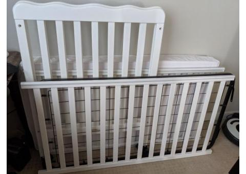 White Crib w/ Adjustable Mattress Height, Including Mattress AND Nursery Bedding Set